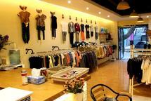 日流五千品牌连锁的童鞋店优价转让,接手即可盈利