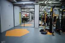 临街底商健身机构转让,全新设备,装修
